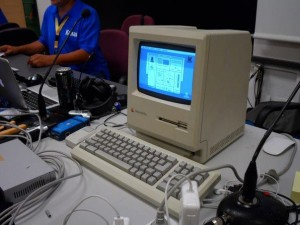 Foto de un Mac Classic que se pudo ver funcionando en la CampusMac 2012